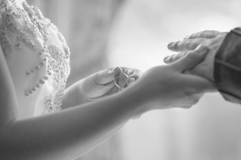 Ardoe House Hotel wedding, exchange the rings, Anna Wytrazek Photography, wedding photographer Aberdeen