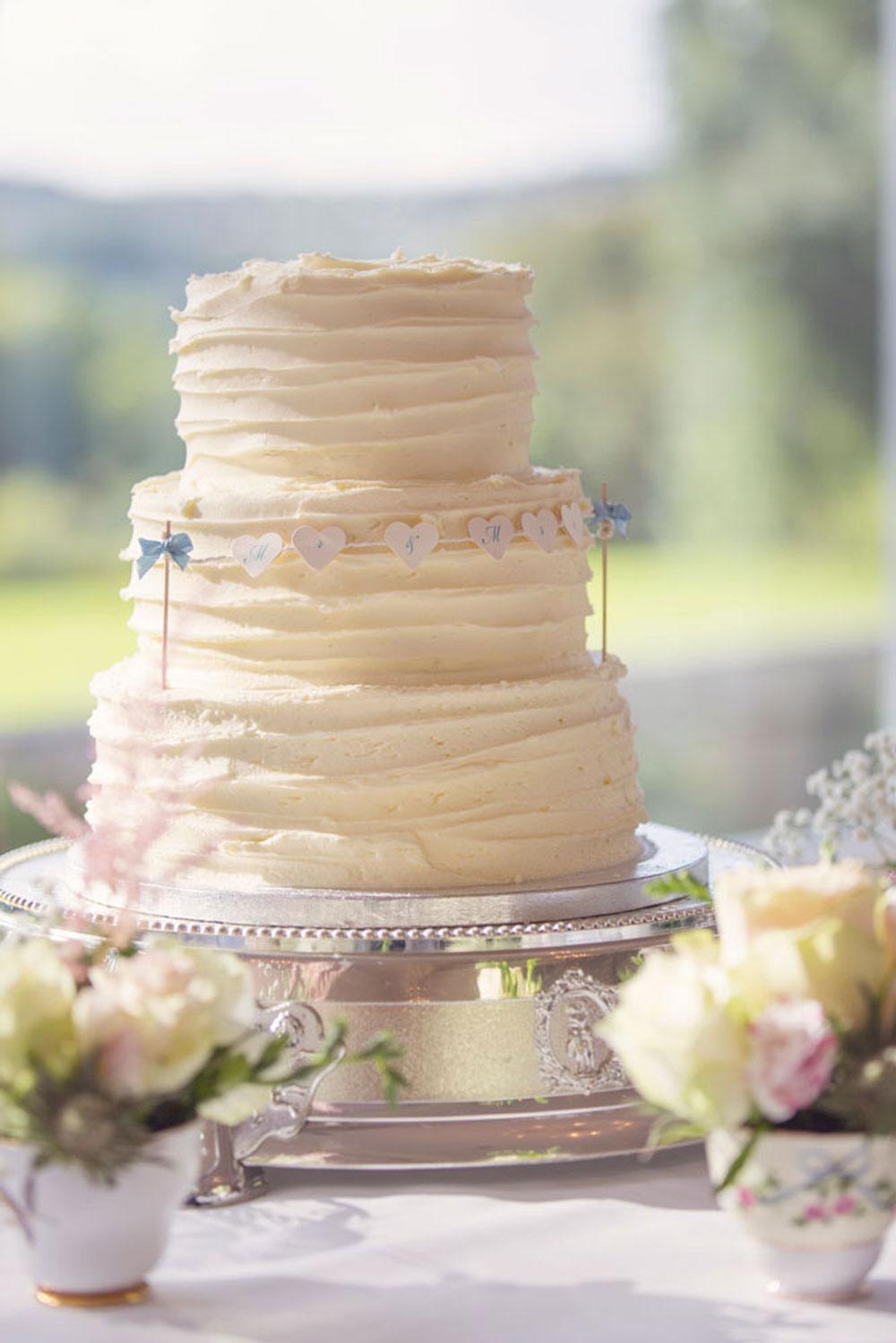 Ardoe House Hotel wedding, wedding cake, Anna Wytrazek Photography, wedding photographer Aberdeen