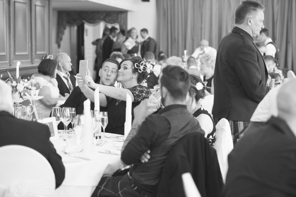 Ardoe House Hotel wedding, wedding guests selfie, Anna Wytrazek Photography, wedding photographer Aberdeen