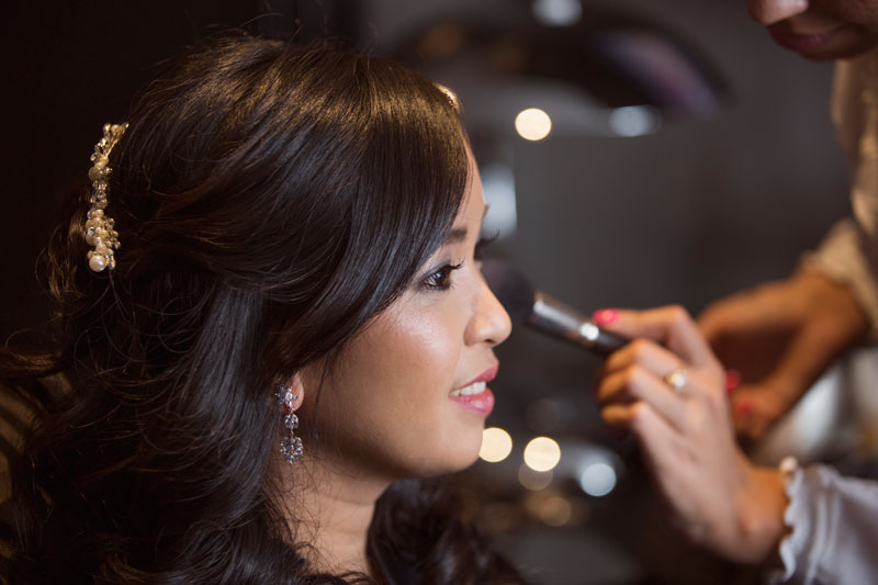 Chester Hotel Wedding Bride touch up, Anna Wytrazek Photography, Wedding Photographer Aberdeen