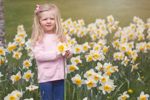 Baby and family photographer Aberdeen, girl around the flowers, Anna Wytrazek Photography