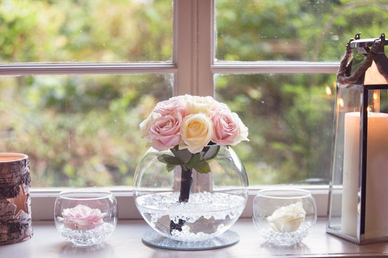 Thainstone House Hotel Wedding, Flowers on the windowsill, Anna Wytrazek Photography, Wedding Photographer Aberdeen