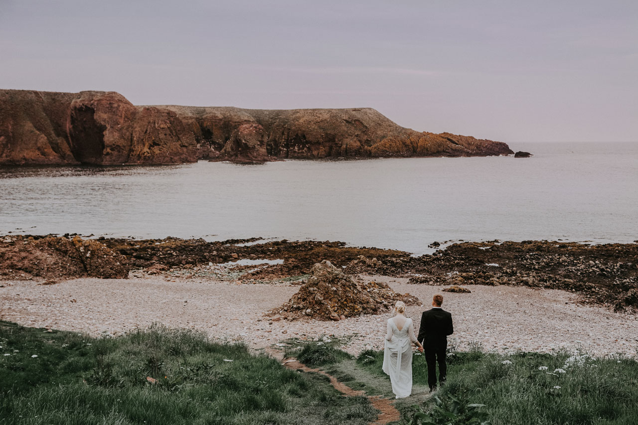 Anna Wytrazek Photography, Wedding photographer Aberdeen, walk on the beach