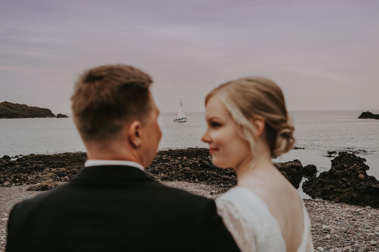 Wedding photographer Aberdeen, Anna Wytrazek Photography, boat