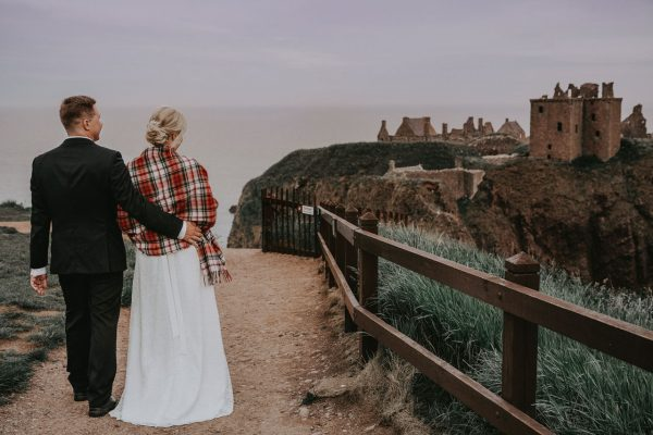 Wedding photography Aberdeen,Wlak around the Castle, Anna Wytrazek Photography