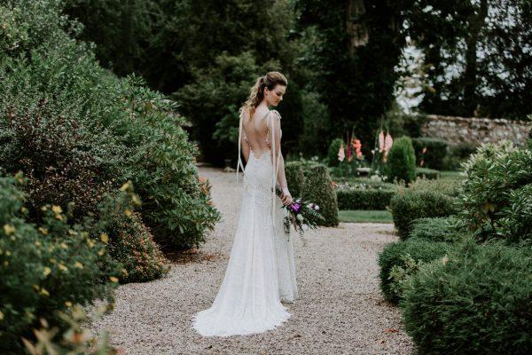 Wedding Photographer Edinburgh Anna Wytrazek Photography Bride in the garden